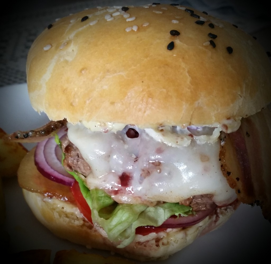 Burger Corse tome et panzetta