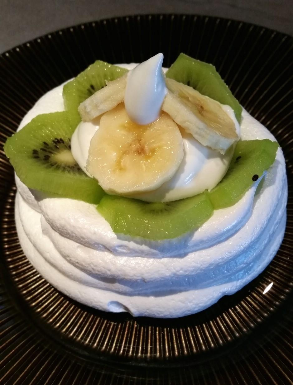 pavlova kiwi banane